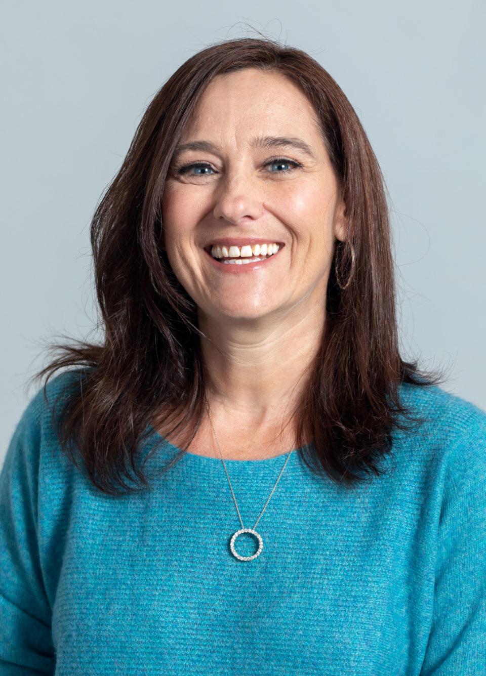 Lori Shell headshot